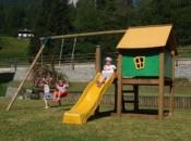 Giochi per giardino castelli con altalena e scivolo