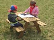 tavolino-in-legno-con-panchine-incorporate-3_o